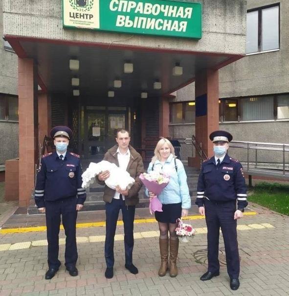 Еще два московских полицейских стали героямиСтражи...