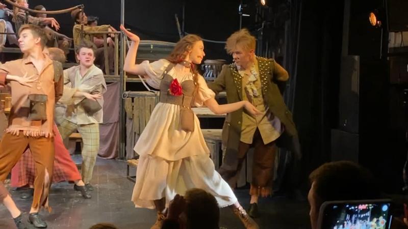 Танец Бэт и Ловкого Плута из спектакля Оливер Твист