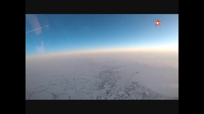 Вид из кабины Ту 160 в небе над Арктикой