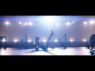 Смотреть Клипы! Ally Brooke - Low Key (feat. Tyga)