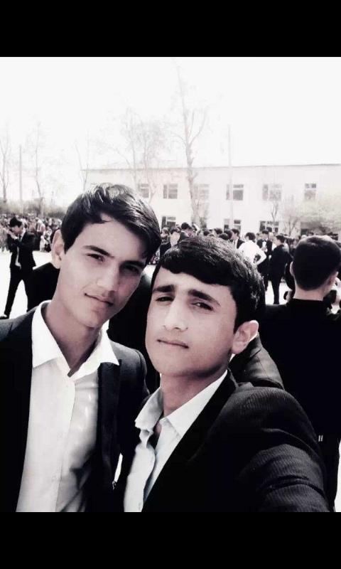 Толя, 20, Khujand