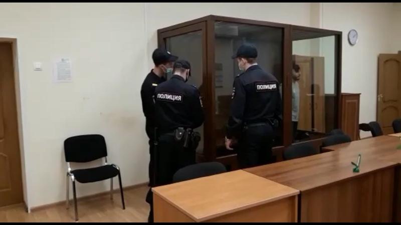 Суд приговорил рэпера Эльмина Гулиева к 4 годам колонии за ДТП на Остоженке