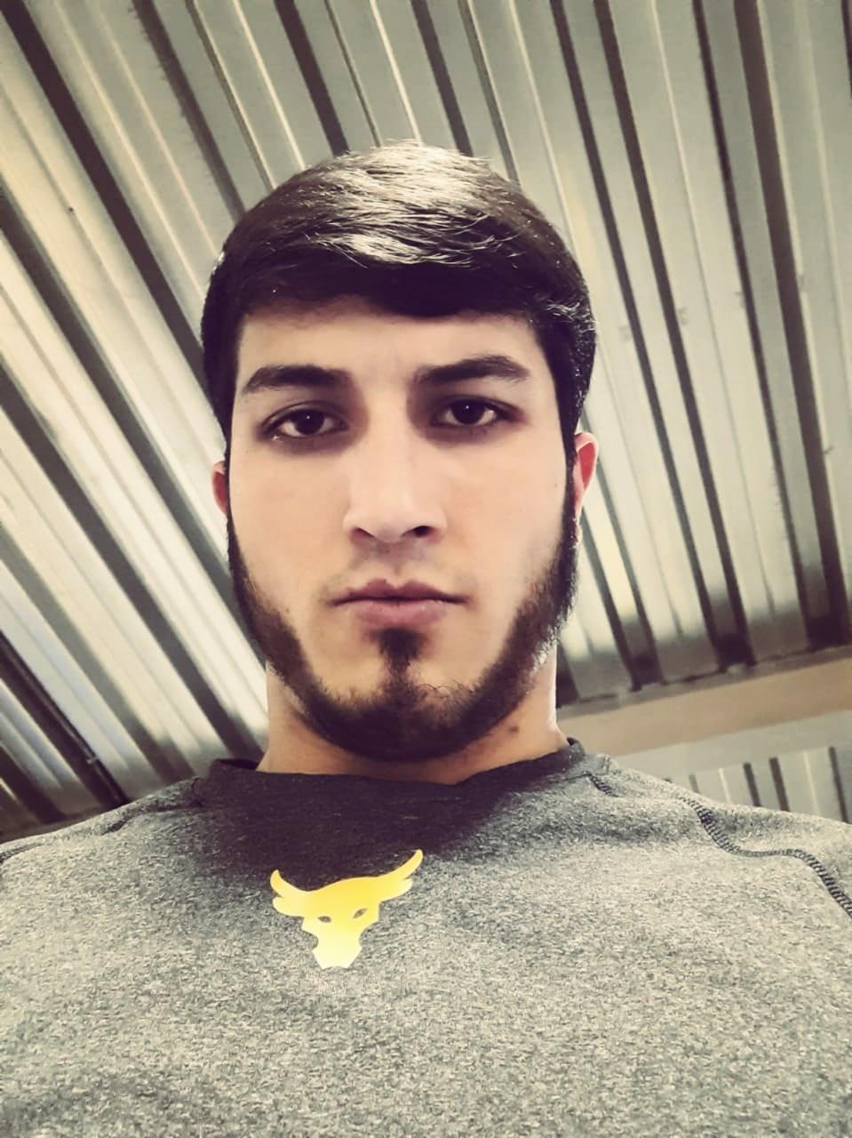 Nazim, 23, Mokhsogollokh