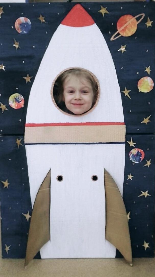 С Днём Космонавтики всех!