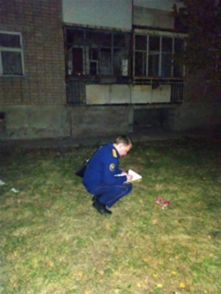 Мать прыгнувших в окно детей на пожаре в Сызрани с...