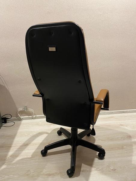 Продам кресло Состояние 4/5Ручки пошарпаные (не си...
