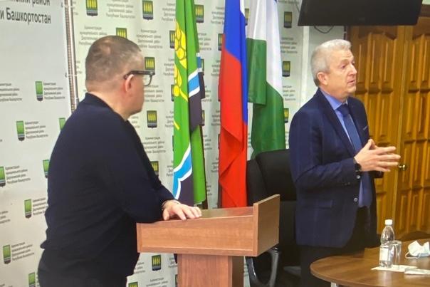 Риф Юсупов, глава администрации Дюртюлинского райо...