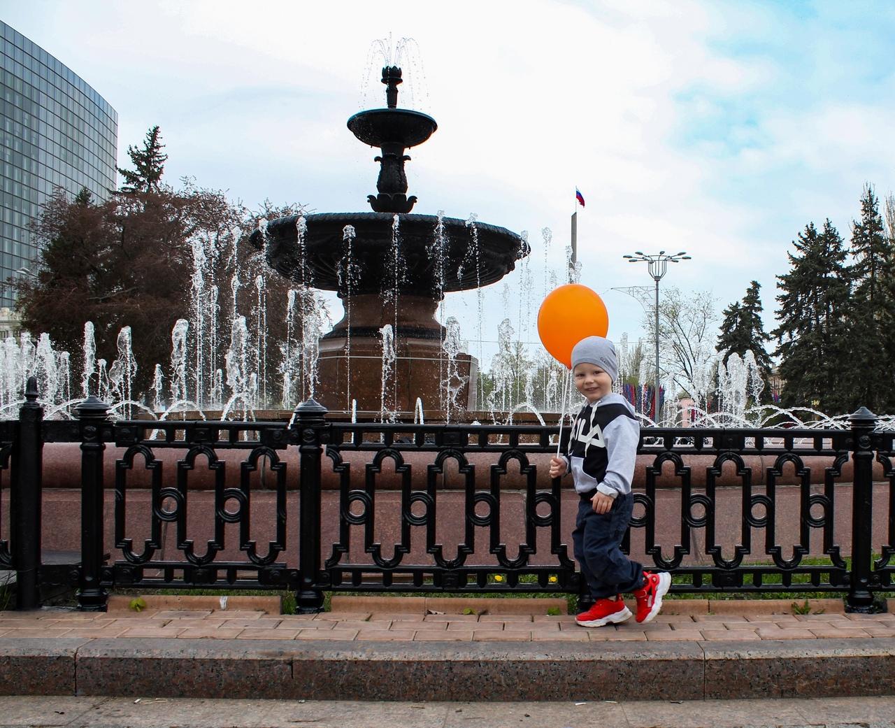 С 1 мая в Донецке открыты парки культуры и отдыха и запущены городские фонтаны