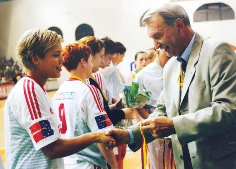 Завороженный Кожухов. Был любим, ломал носы лучшим игрокам страны и стал чиновником, уважаемым всеми, изображение №7