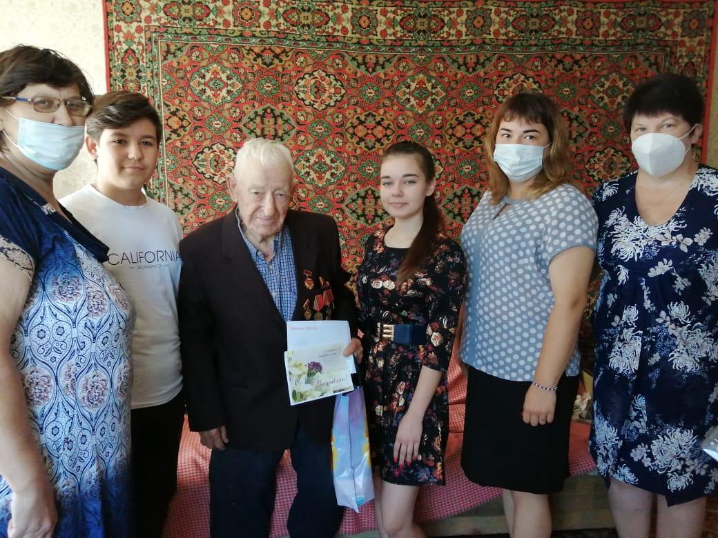Жителя села Озёрки Владимира Васильевича СИМОНОВА поздравили с 95-летним юбилеем