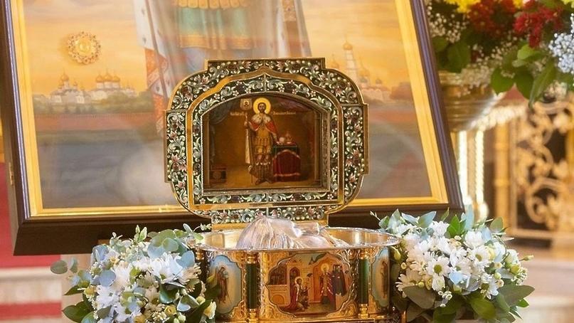 Мощи Александра Невского доставили в Успенский собор Дмитровского округа