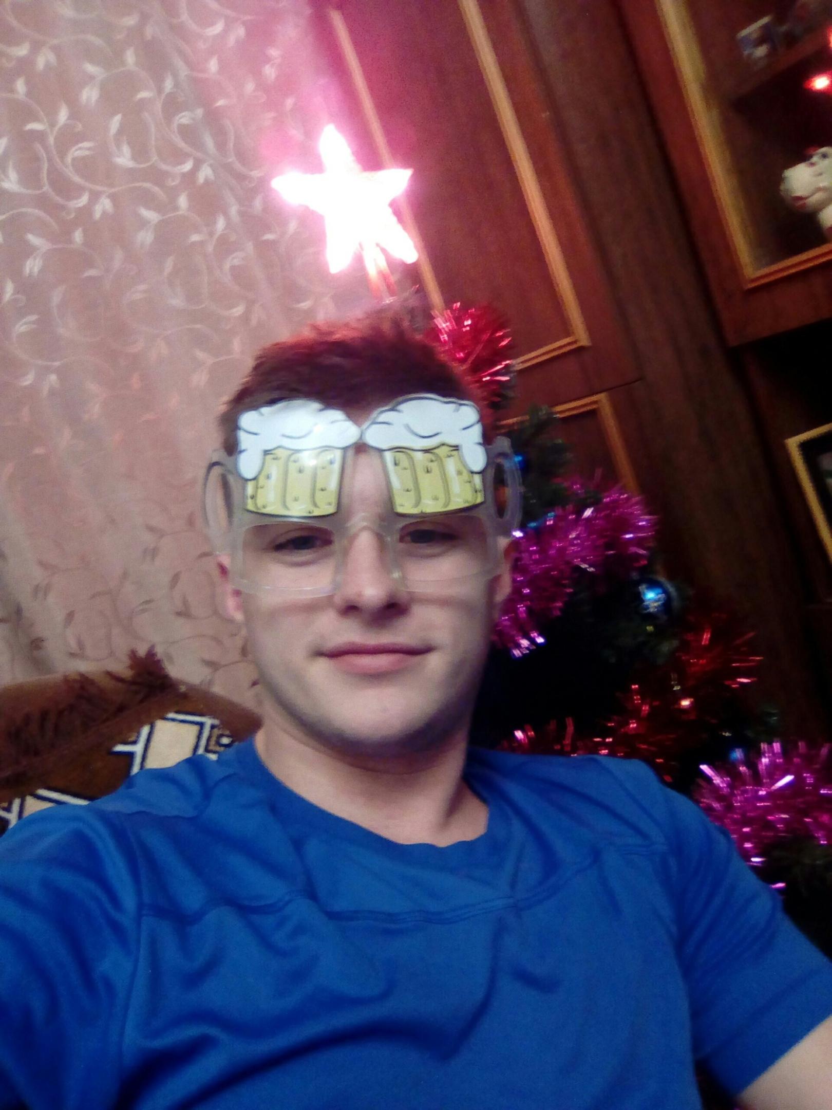 Toly, 25, Gorodets
