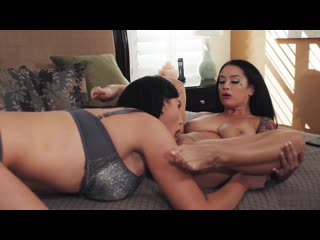Aspen Brooks & Kayleigh Coxx & Katrina Jade   enjoy female erotic