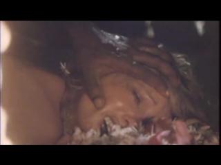 Дикий вождь взял силой голую девушку блондинку попавшую в плен