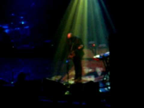 Them Crooked Vultures in Quebec City Guitar solo