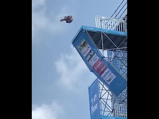 @jonathanparedes89 cliff dive in competition