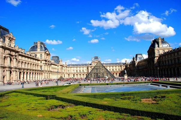 Коллекции Лувра Величайший музей мира, коллекция которого насчитывает более 300 тысяч экспонатов. Это огромное число, учитывая, что в залах представлено лишь 35 тысяч предметов искусства (из-за