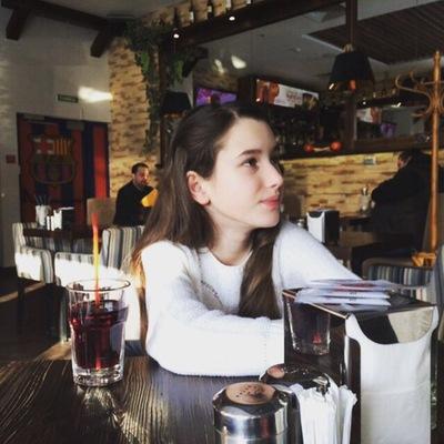 Яна Кузнецова